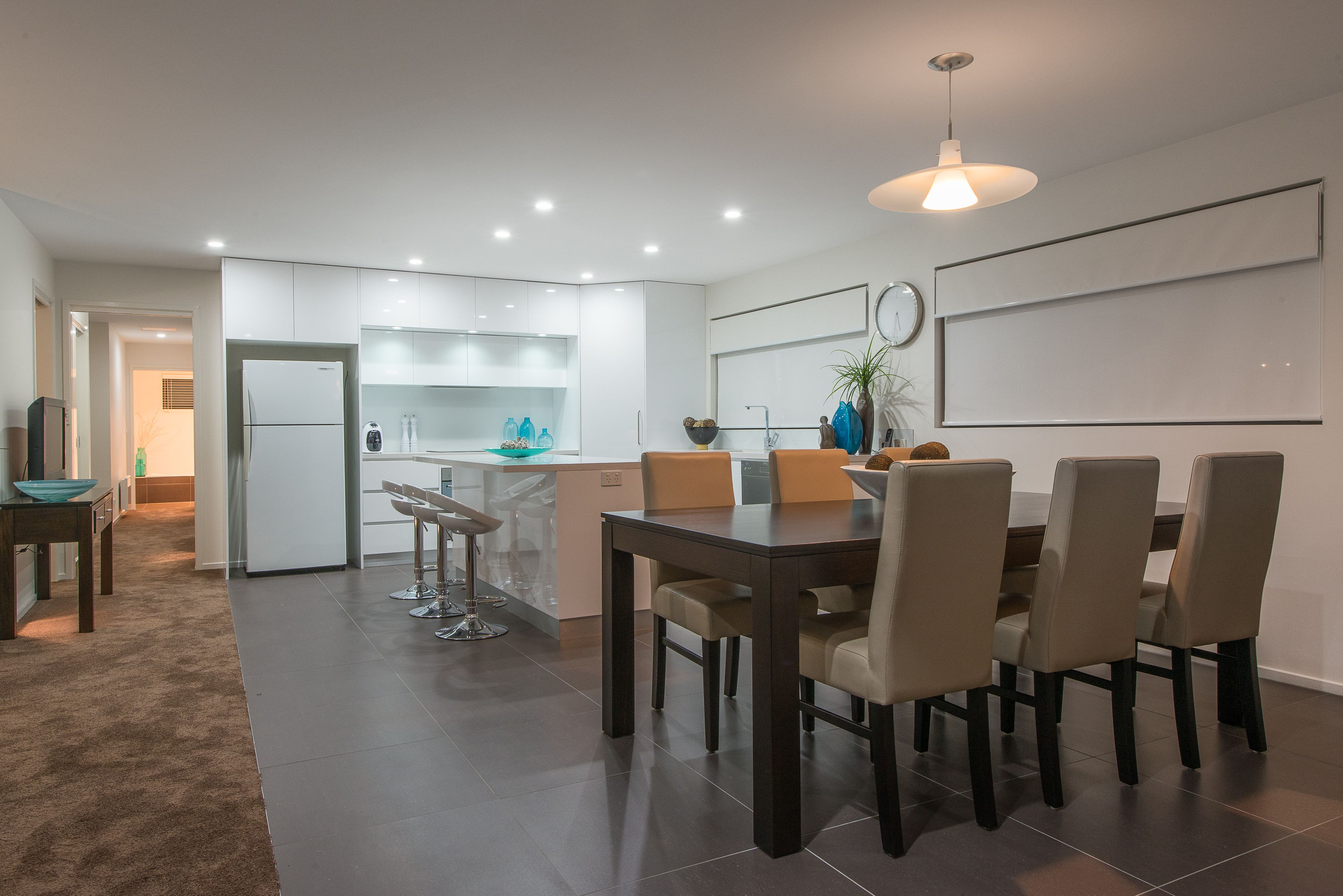 658 Oceana Drive, Tranmere Dining