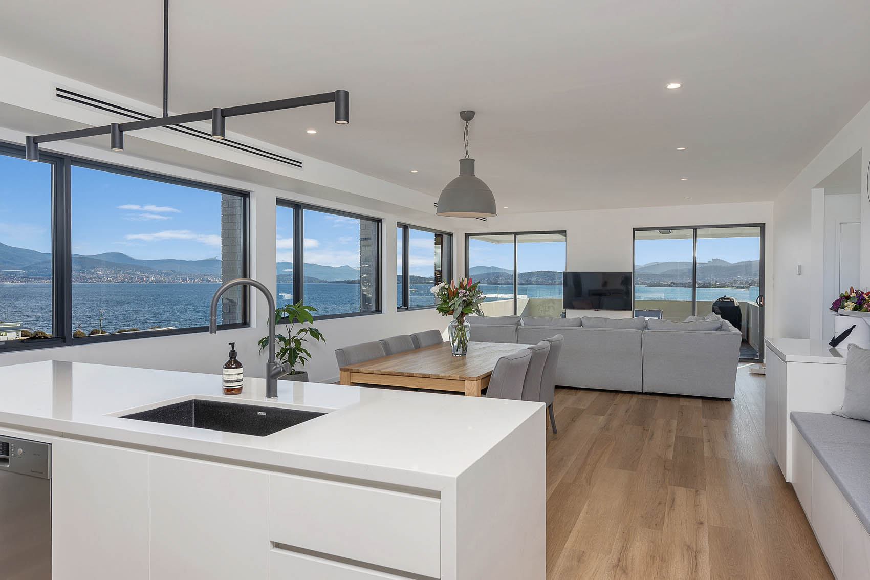 andrew-lyden-new-home-builder-hobart-tasmania-cambridge-5